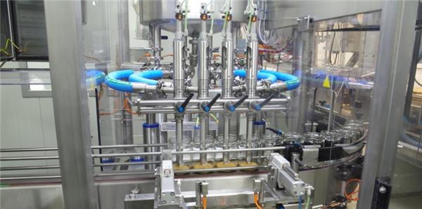 آلة تعبئة معجون الطماطم الأوتوماتيكية عالية الكفاءة